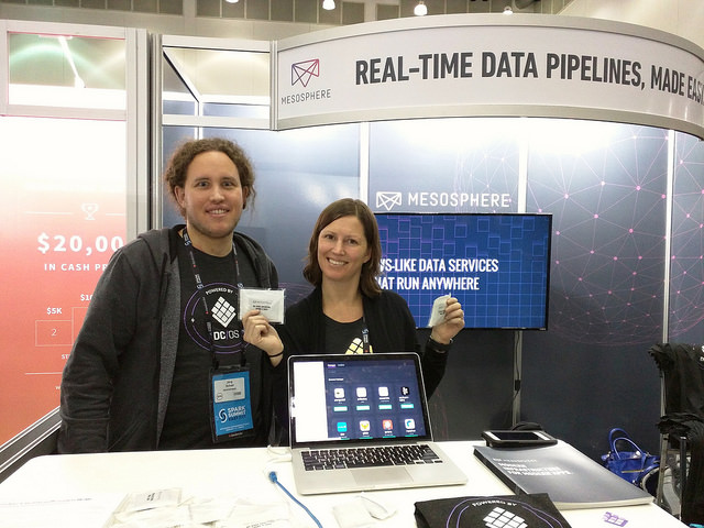 Jörg Schad and Kim Garshol at the Mesosphere booth